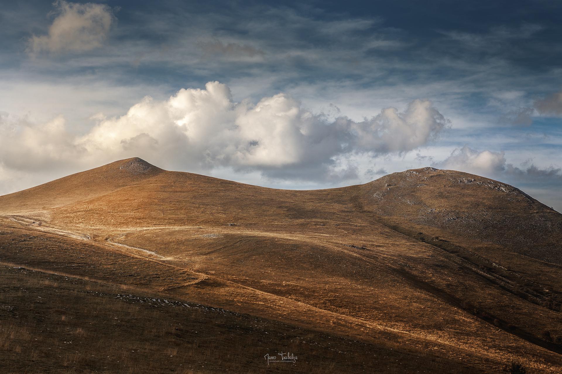 Castelluccio di Norcia da sempre riesce ad tirare fuori i miei stati d'animo. Come non dedicare la copertina alla foto che più mi rappresenta?
